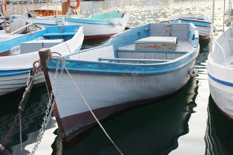 Download Soporte Del Barco De Motor En Una Litera Imagen de archivo - Imagen de pesca, movimiento: 41910499