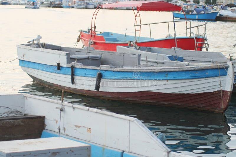 Download Soporte Del Barco De Motor En Una Litera Foto de archivo - Imagen de cortador, pesca: 41910502