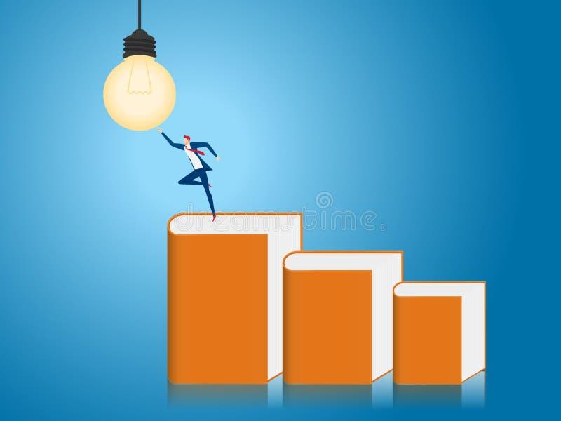 Soporte del hombre de negocios en el paso de la escalera hecho de libros para conseguir idea de la bombilla Concepto creativo de  libre illustration