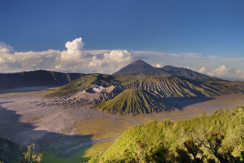 Soporte impresionante Bromo, Indonesia foto de archivo libre de regalías
