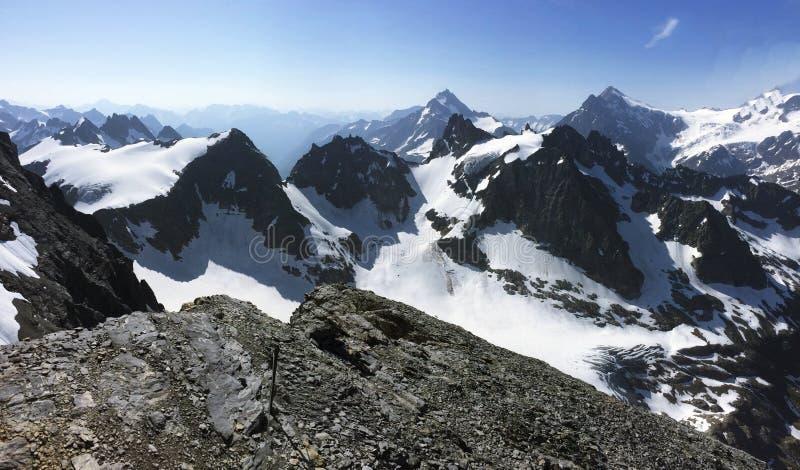 Soporte Titlis la joya en Suiza central Visión panorámica fotografía de archivo