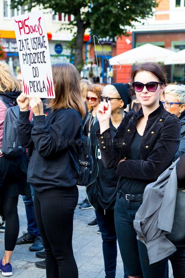 Sopot, Польша, 2016 09 24 - опротестуйте против закона fo анти--аборта стоковая фотография rf