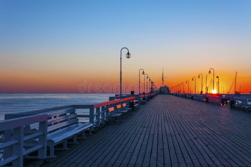 Sopot-Pier bei Sonnenaufgang stockbilder