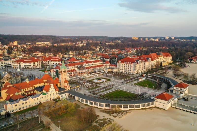 Sopot Polska, Kwiecień, - 3, 2019: Centrum Sopot chwytał z trutniem na wiośnie fotografia royalty free