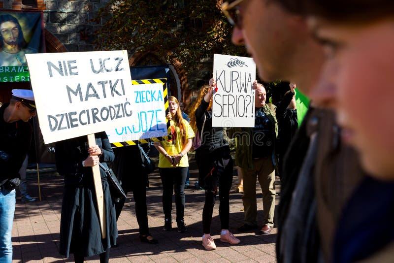 Sopot, Polska, 2016 09 24 - protestuje przeciw antyaborcyjnemu prawu fo zdjęcie royalty free