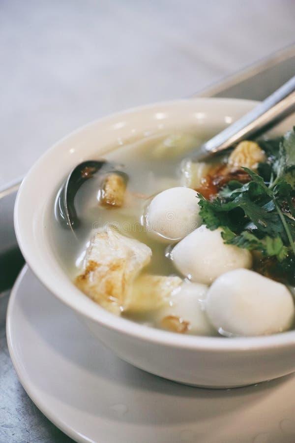 Soppa för fiskbollar arkivfoton