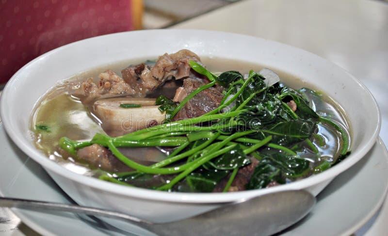 Soppa för nötkött för Nilagang baka- filippinsk arkivfoto