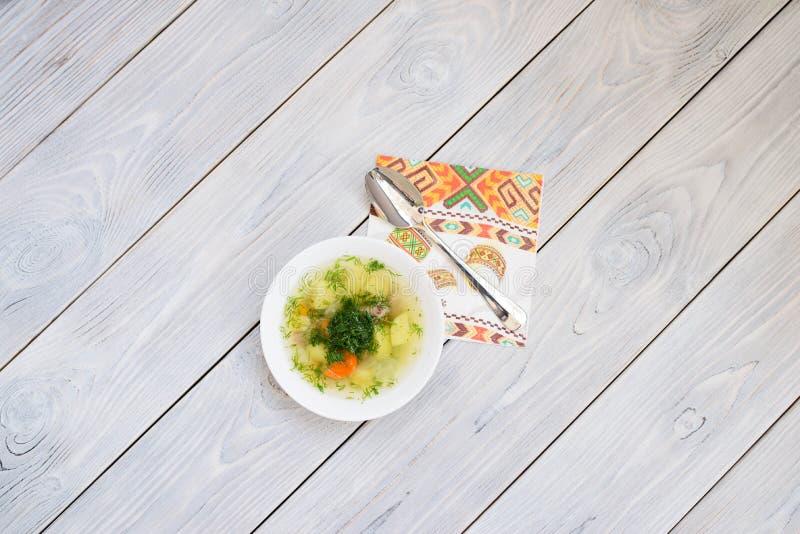 Soppa- och prydnadservett royaltyfria foton