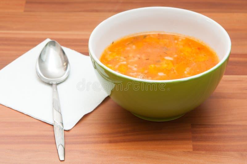 Soppabunke och sked arkivbild