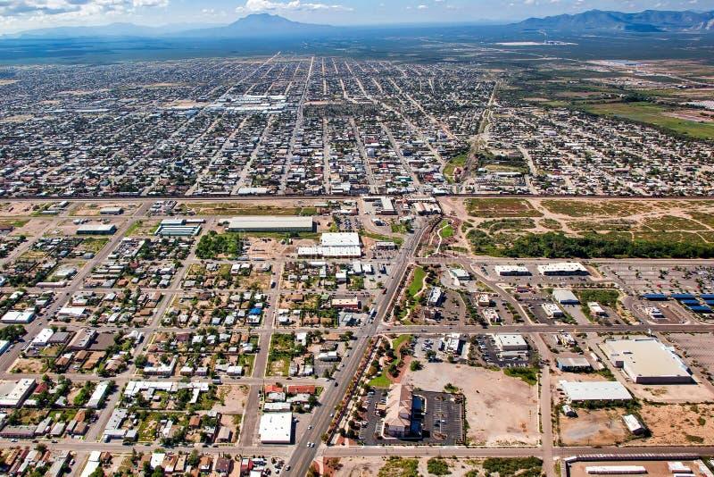 Sopra il confine a Douglas, l'Arizona fotografie stock libere da diritti
