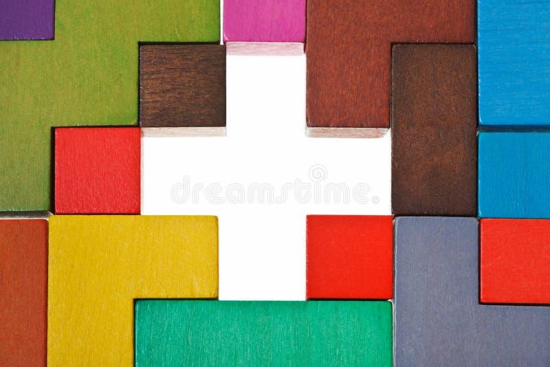 Sopra la vista del foro trasversale di forma nel puzzle immagine stock