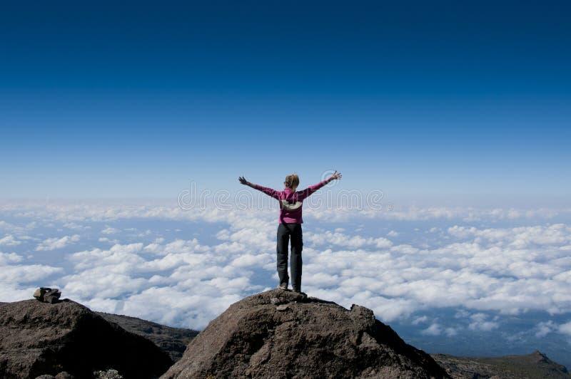 Sopra le nuvole su Kilimanjaro fotografia stock libera da diritti