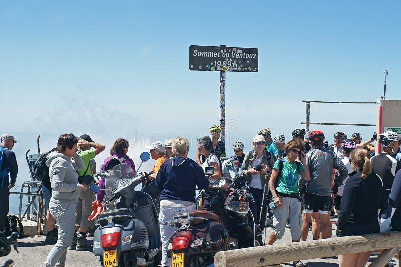 Sopra Mont Ventoux le foto sono state fatte dai successori immagini stock libere da diritti