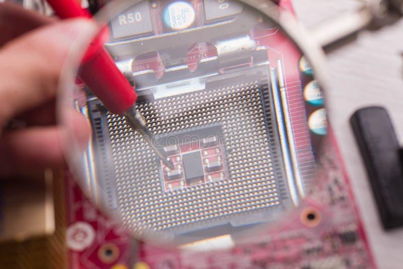Soquete para instalar o processador na placa imagem de stock