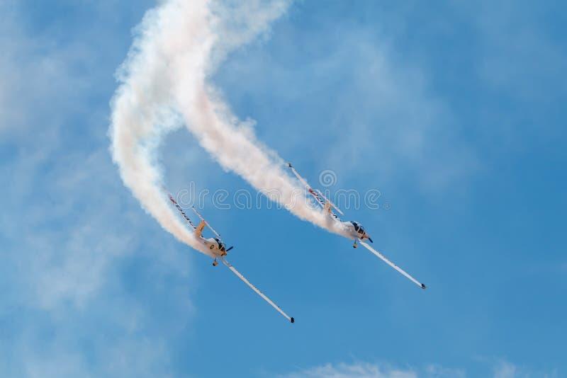 SOR VAN PONTE DE, PORTUGAL - 3 JUNHO, 2019: het aerobatic team voert kunstvliegen uit DE LUCHTtop VAN PORTUGAL royalty-vrije stock afbeeldingen