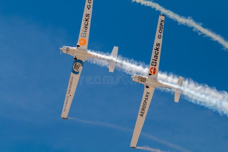 SOR VAN PONTE DE, PORTUGAL - 3 JUNHO, 2019: het aerobatic team voert kunstvliegen uit DE LUCHTtop VAN PORTUGAL stock foto's