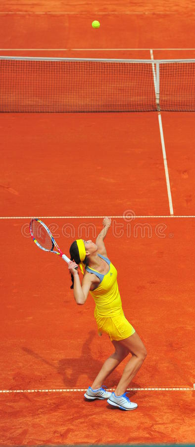 Sorana Cirstea -网球员服务 图库摄影