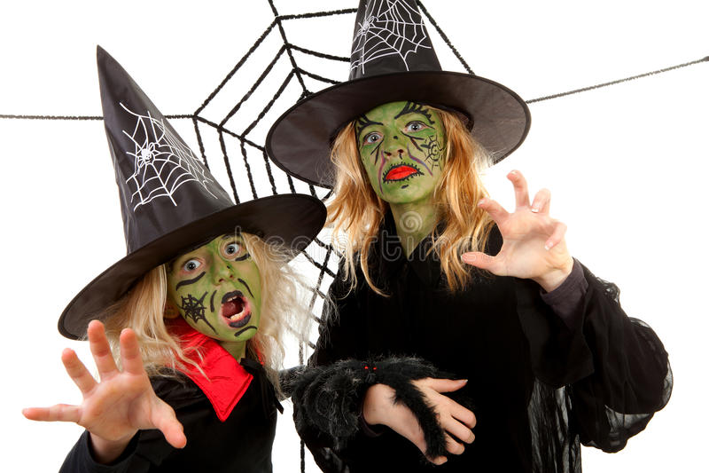 Sorcières vertes effrayantes pour Veille de la toussaint photographie stock