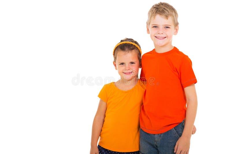 Sorella felice del fratello fotografie stock