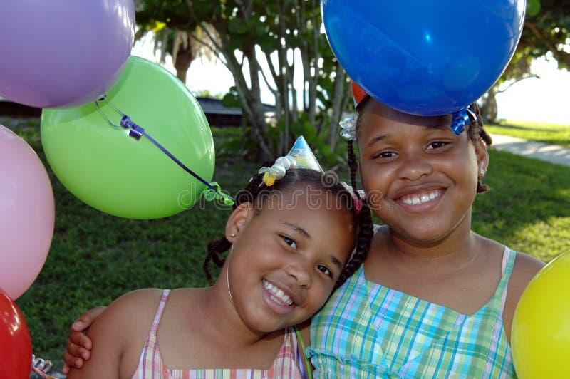 Sorelle della festa di compleanno fotografia stock libera da diritti