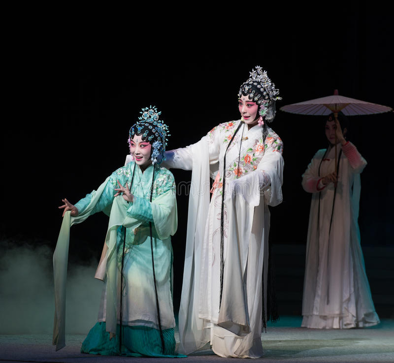 "Sorelle-Kunqu  bianco del serpente di Opera""Madame Snake†immagine stock"