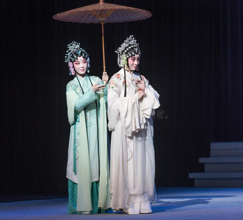 "Sorelle-Kunqu  bianco del serpente di Opera""Madame Snake†fotografia stock libera da diritti"