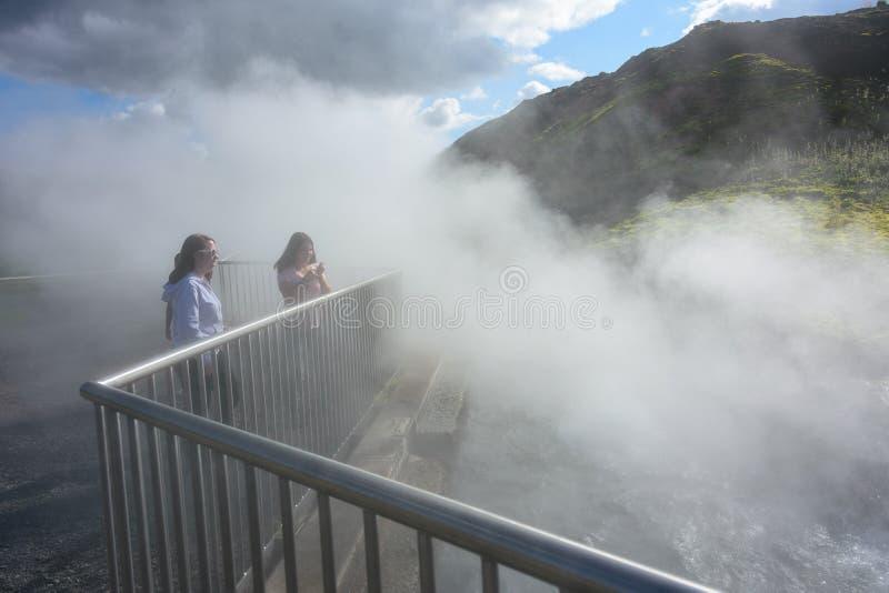 Sorgenti di acqua calda di Deildartunguhver in Islanda fotografie stock libere da diritti