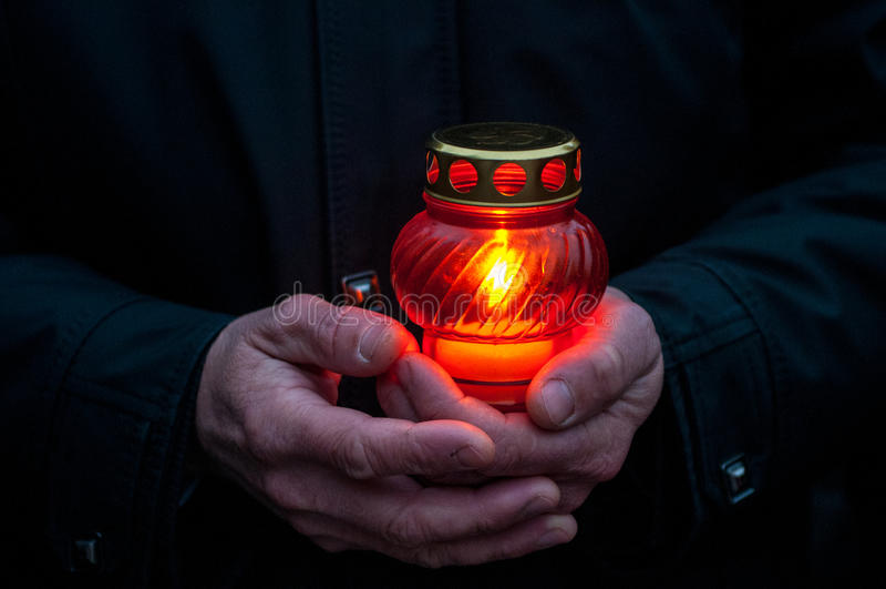 Sorgsen-stearinljus i minnet av svältfolkmordsvält Holodomor fotografering för bildbyråer