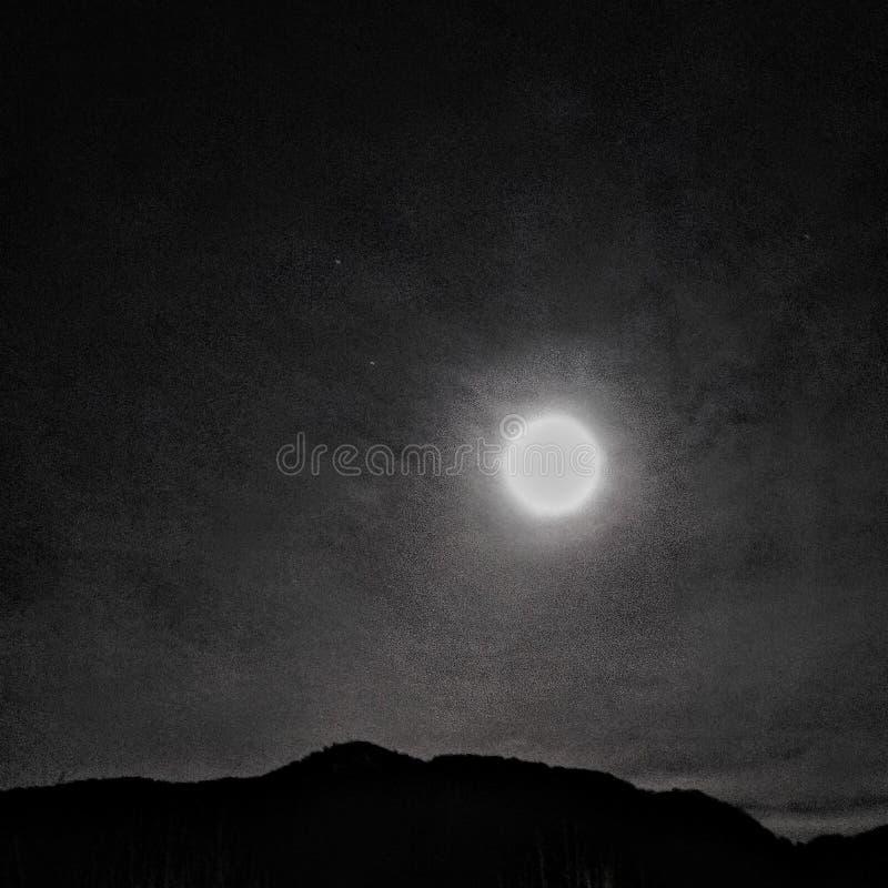 Sormano måne fotografering för bildbyråer