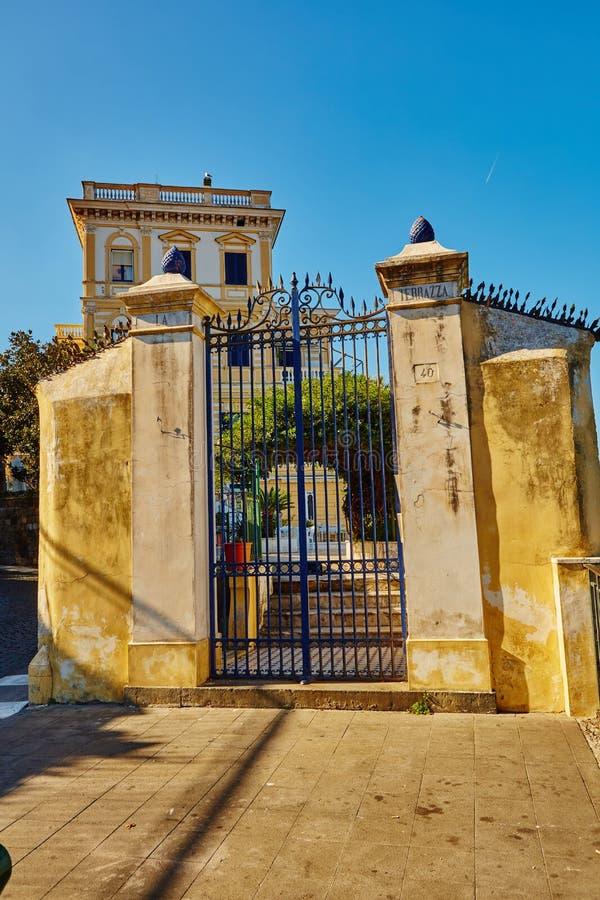 Sorrento é cidades da costa de Amalfi fotos de stock royalty free