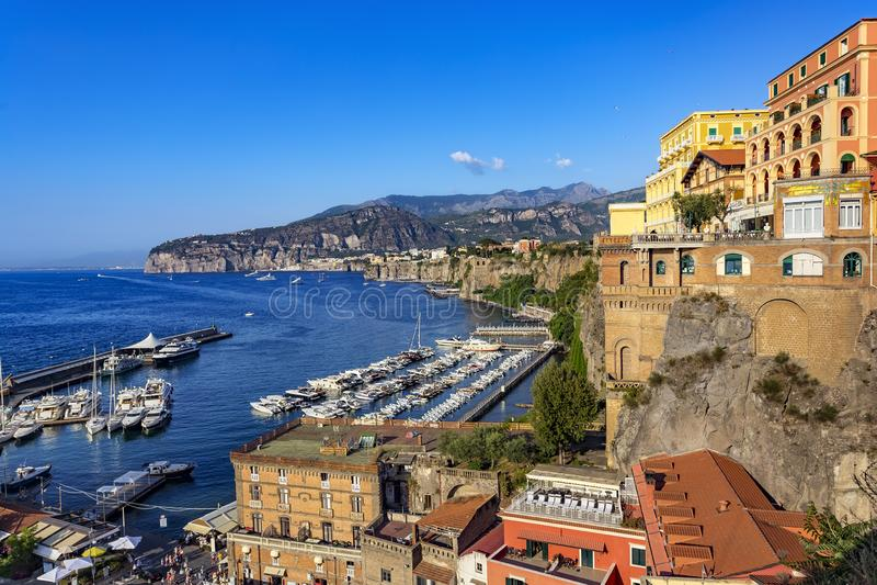 Sorrento hamn, Italien fotografering för bildbyråer