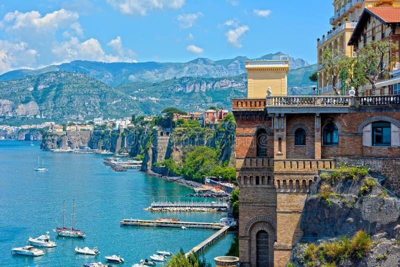 Sorrento kust, söder av Italien royaltyfria bilder