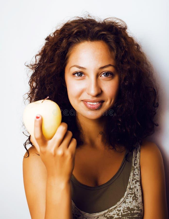 Sorridere alto vicino di tenage della ragazza della mela reale abbastanza giovane di cibo immagine stock libera da diritti