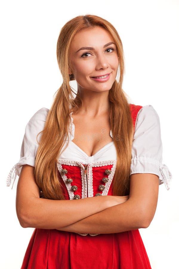 Sorridere bavarese dai capelli rossi sexy splendido della donna fotografia stock libera da diritti