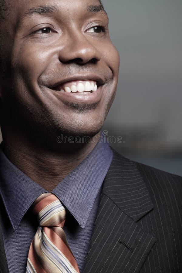 sorridere del headshot dell'uomo d'affari fotografie stock libere da diritti