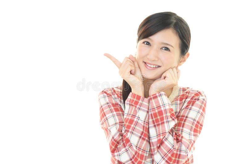 Download Sorridere Della Donna Felice Immagine Stock - Immagine di bellezza, adulto: 56882831