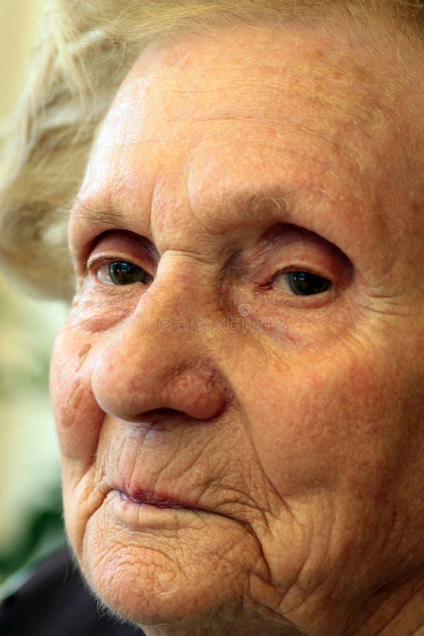 Sorridere della nonna immagine stock libera da diritti