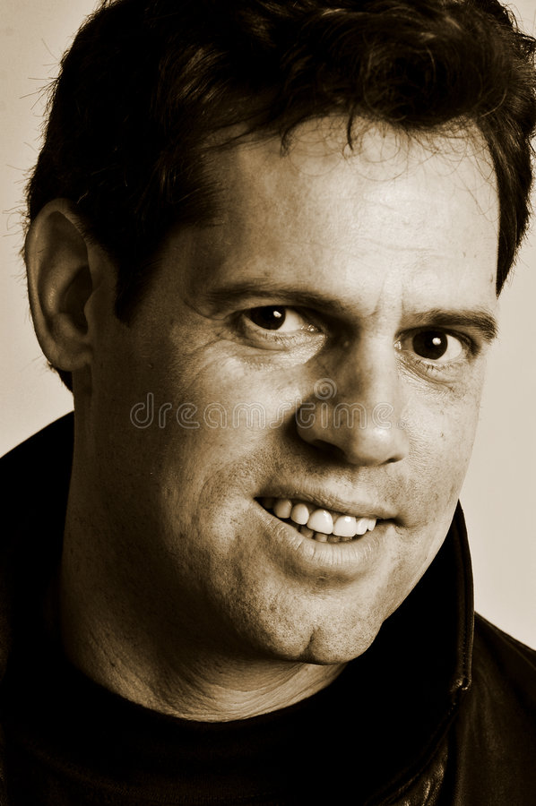 Sorridere maschio del ritratto fotografia stock libera da diritti
