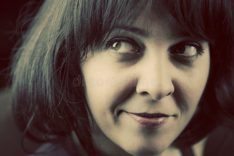 Sorrindo, vista da forma dos anos setenta fotografia de stock royalty free