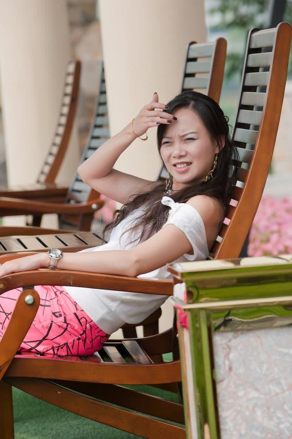Sorriso asiático do dente da mulher foto de stock