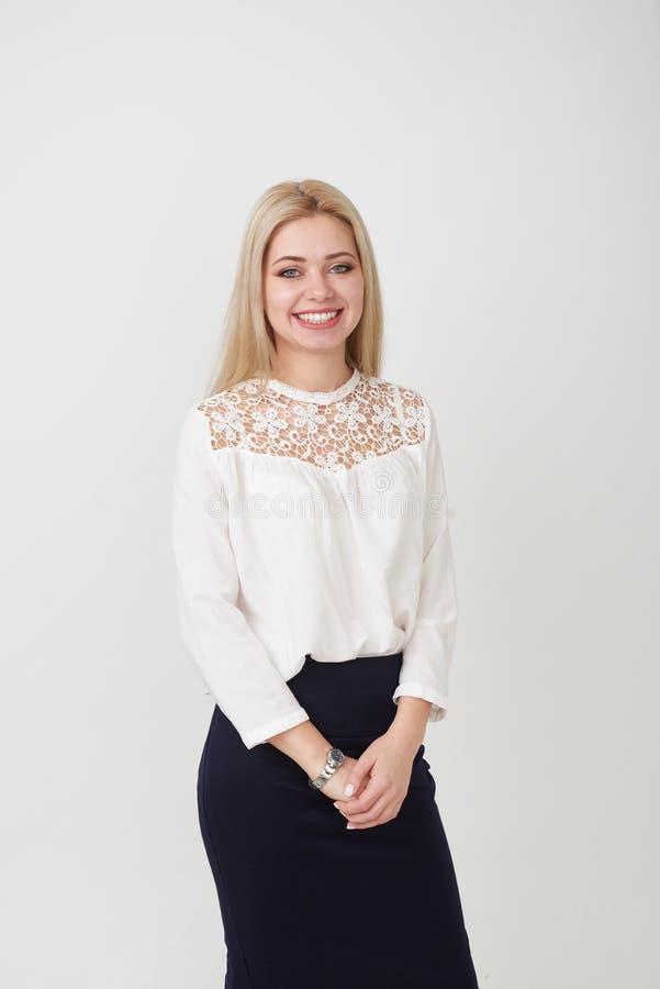Sorriso bonito da mulher fotografia de stock royalty free
