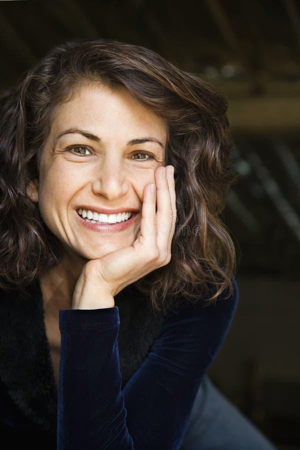 Sorriso bonito da mulher. fotografia de stock