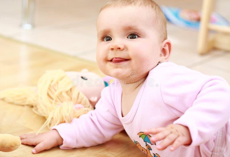Sorriso bonito do bebê foto de stock royalty free