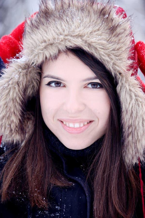 Sorriso bonito novo da mulher fotografia de stock
