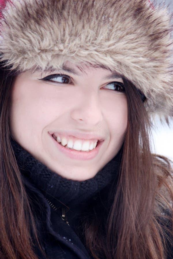 Sorriso bonito novo da mulher foto de stock