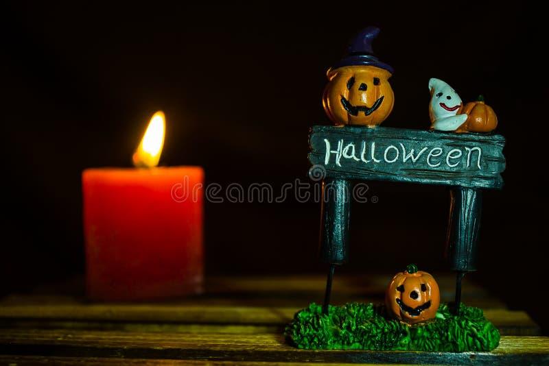Sorriso della zucca di Halloween e piatto di Halloween immagini stock libere da diritti