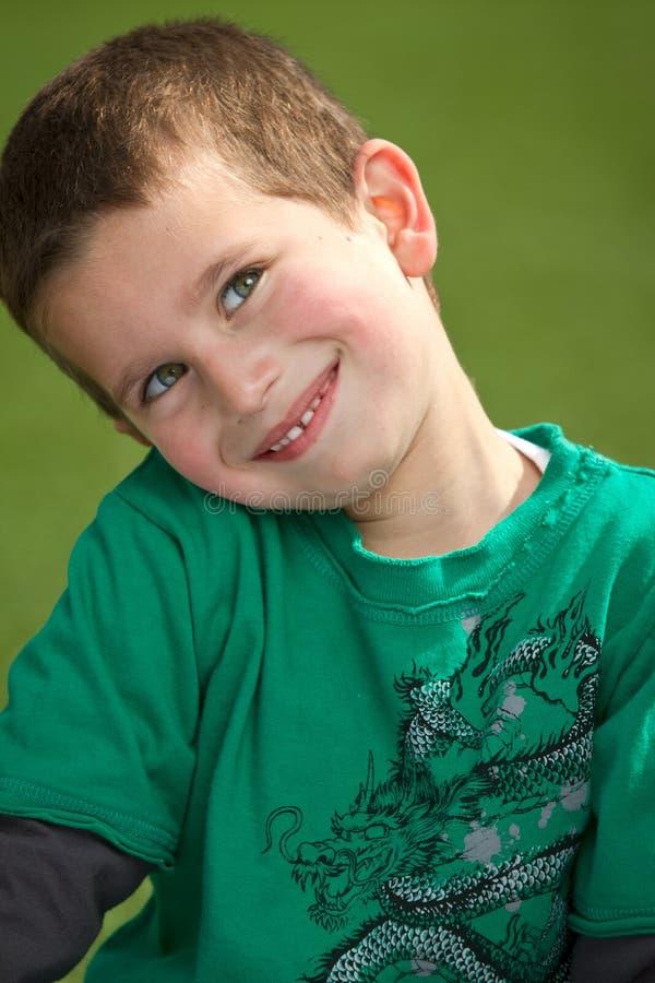 Sorriso do menino fotografia de stock