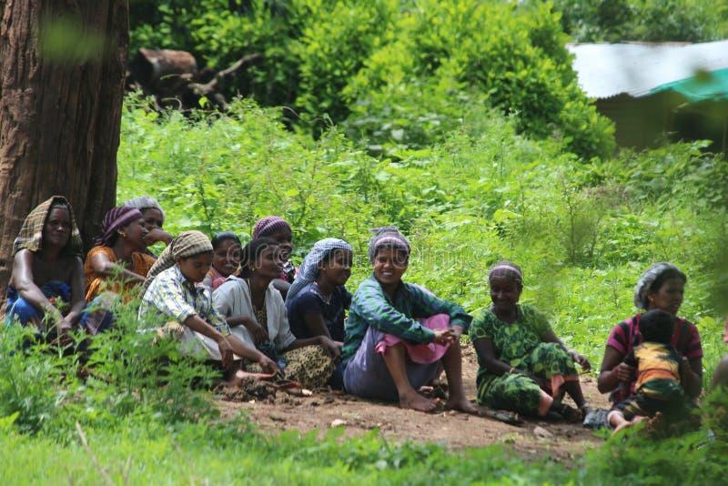 Sorriso do trabalho do bandipur dos povos foto de stock royalty free