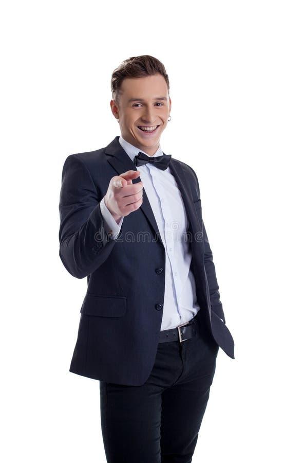 Sorriso feliz do homem de negócios à moda na câmera fotos de stock royalty free