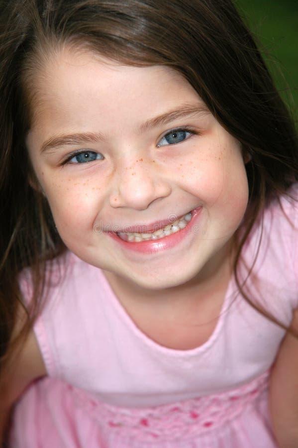 Download Sorriso luminoso fotografia stock. Immagine di femmina - 217074